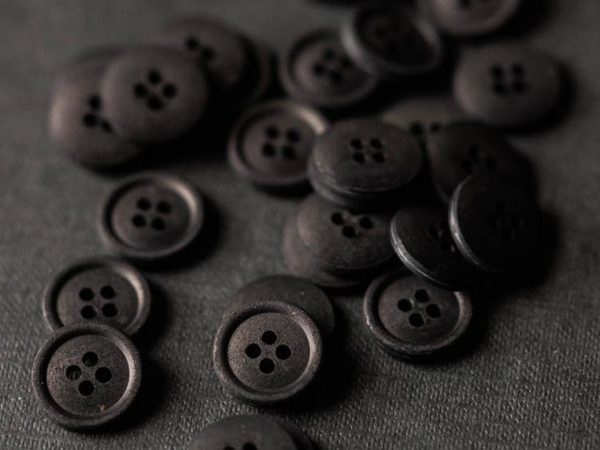Cotton Button 15mm   Sweeps Scrim
